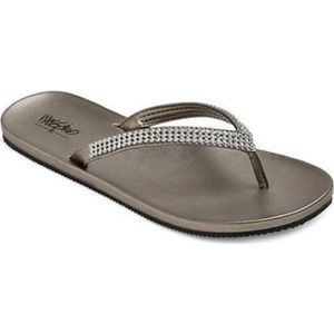 Mossimo Silver Rhinestone Flip Flop Sandals